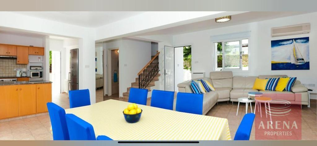 4 Bed villa in Pernera to buy - dining area