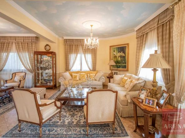 10-Villa-in-Paralimni-for-sale-5073