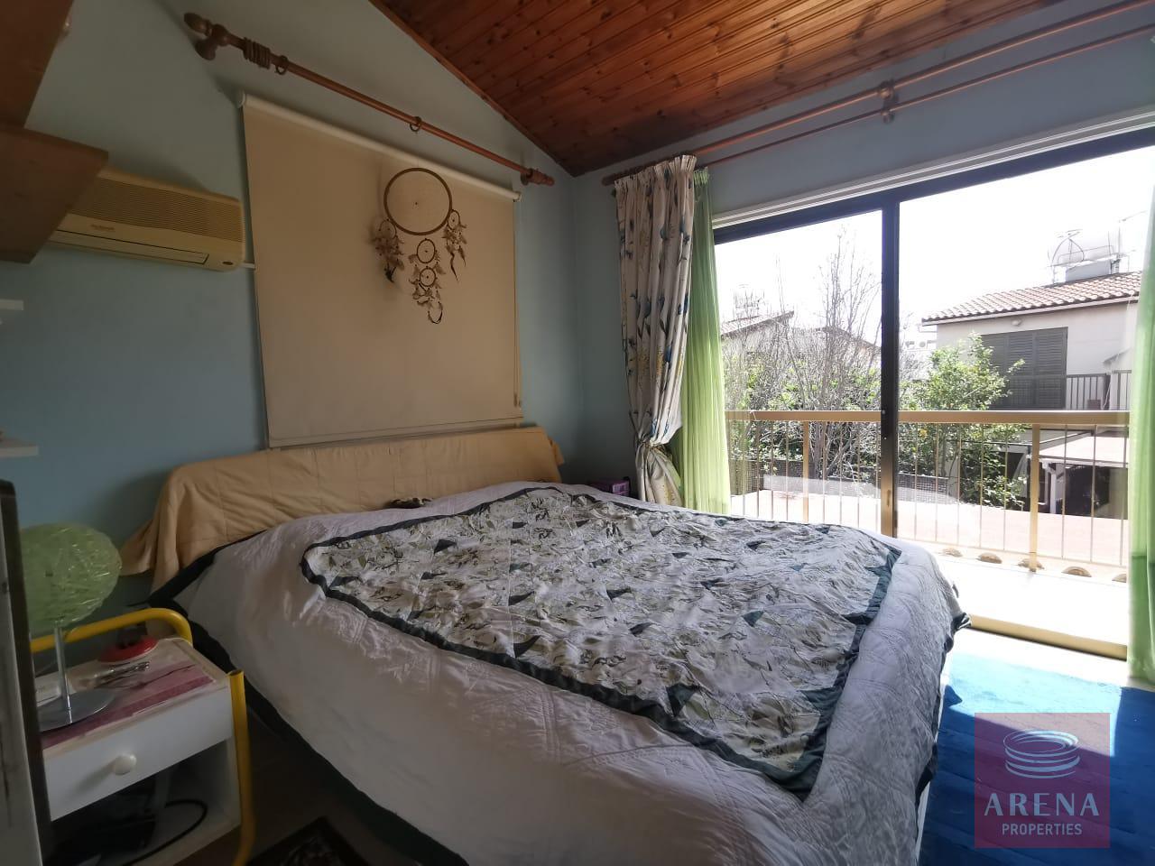 Townhouse in Meneou - bedroom