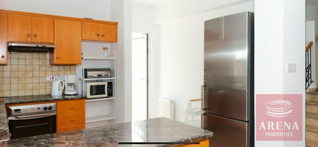 4 Bed villa in Pernera for sale - kitchen