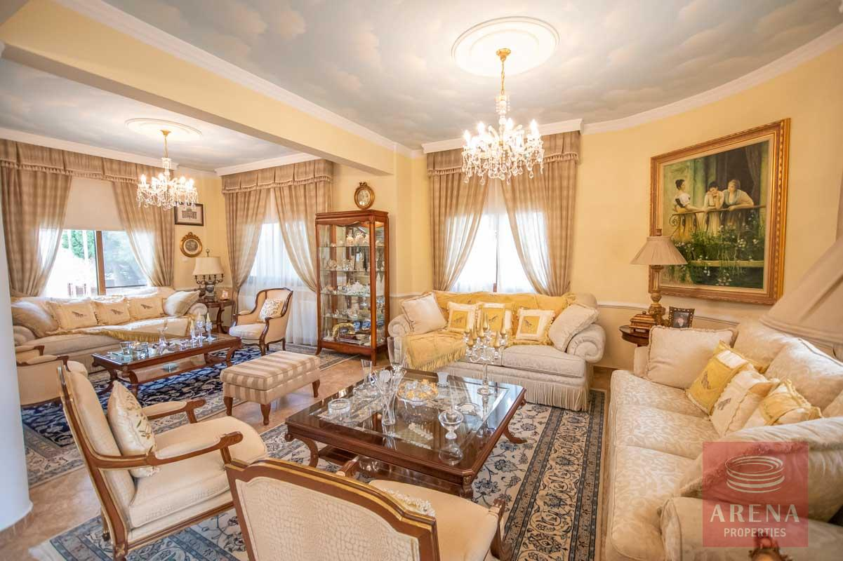 Luxury Villa in Paralimni for sale - sitting area