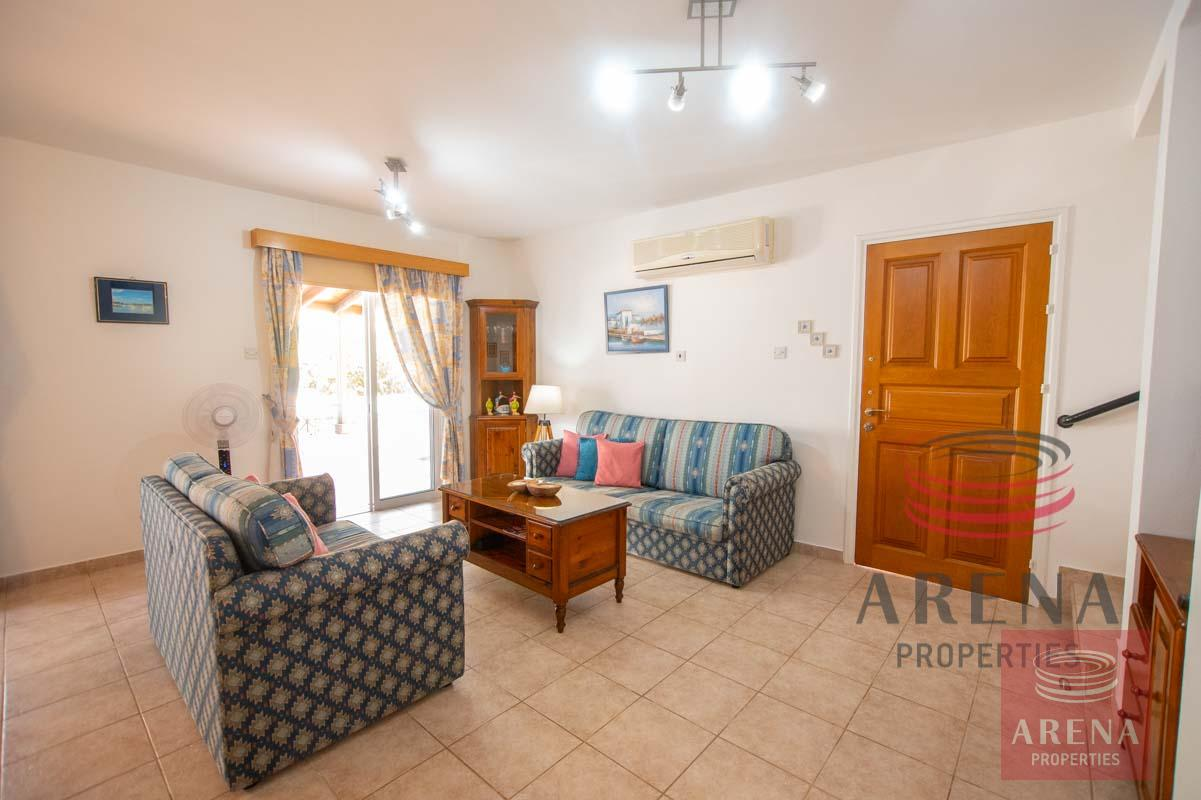 Link-Detached House in Kapparis for sale - sitting area