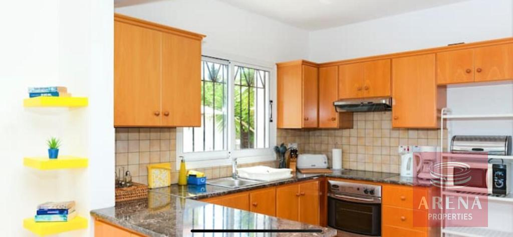 4 Bed villa in Pernera to buy - kitchen