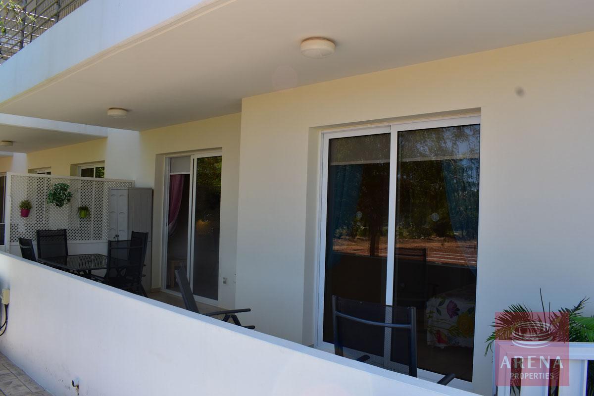 Resale apt in Kapparis to buy - balcony