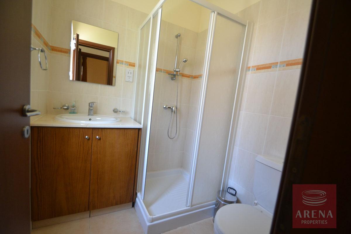 Villa in Kapparis for sale - bathroom