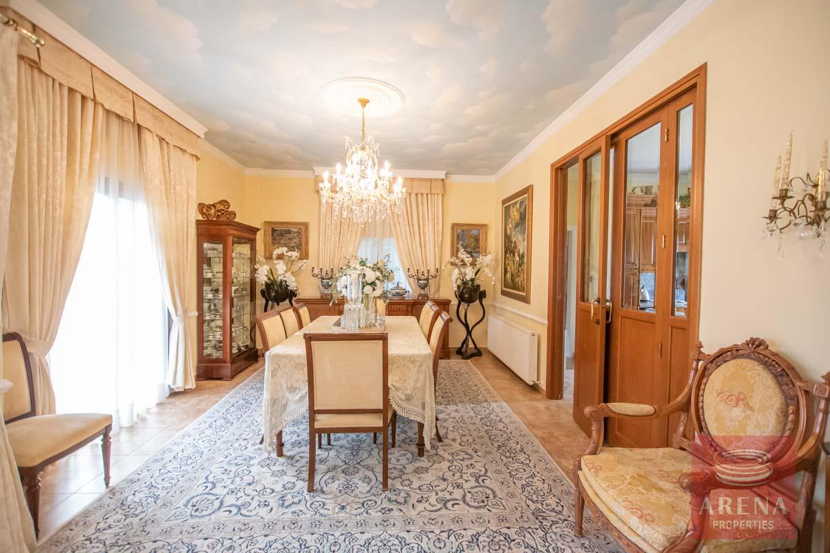 Luxury Villa in Paralimni - dining area