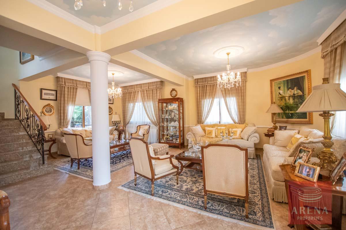 Luxury Villa in Paralimni to buy - sitting area