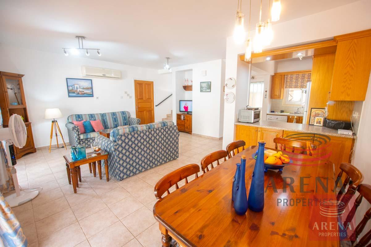 Link-Detached House in Kapparis to buy - dining area
