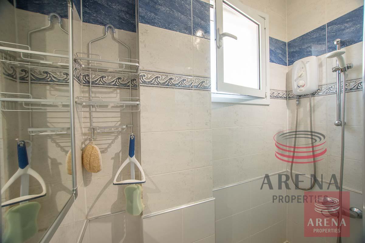 2 bed apt in Derynia for sale - bathroom