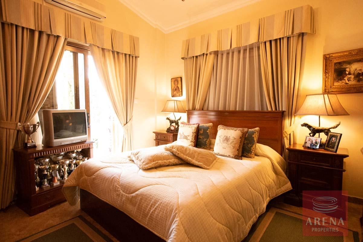 Luxury Villa in Paralimni - bedroom