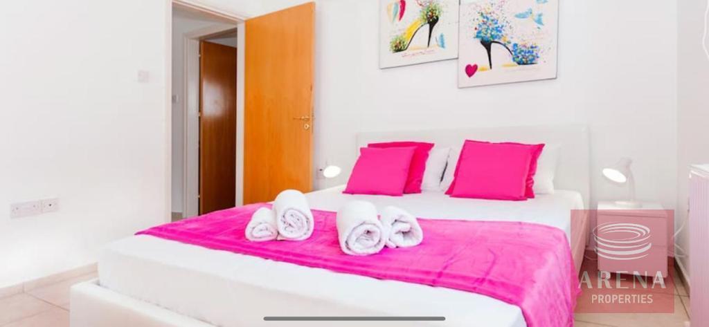 villa for sale in pernera - bedroom