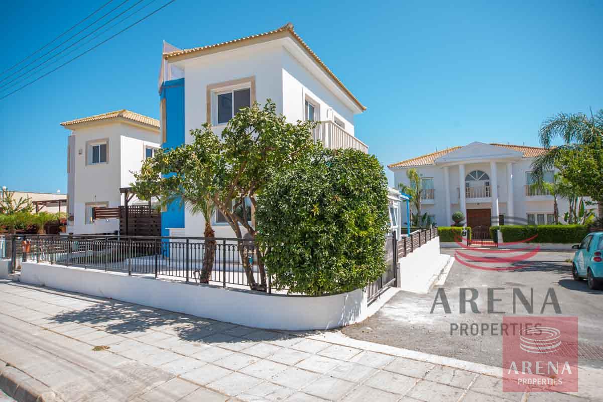 2 Bedroom Villa in Ayia Thekla for sale