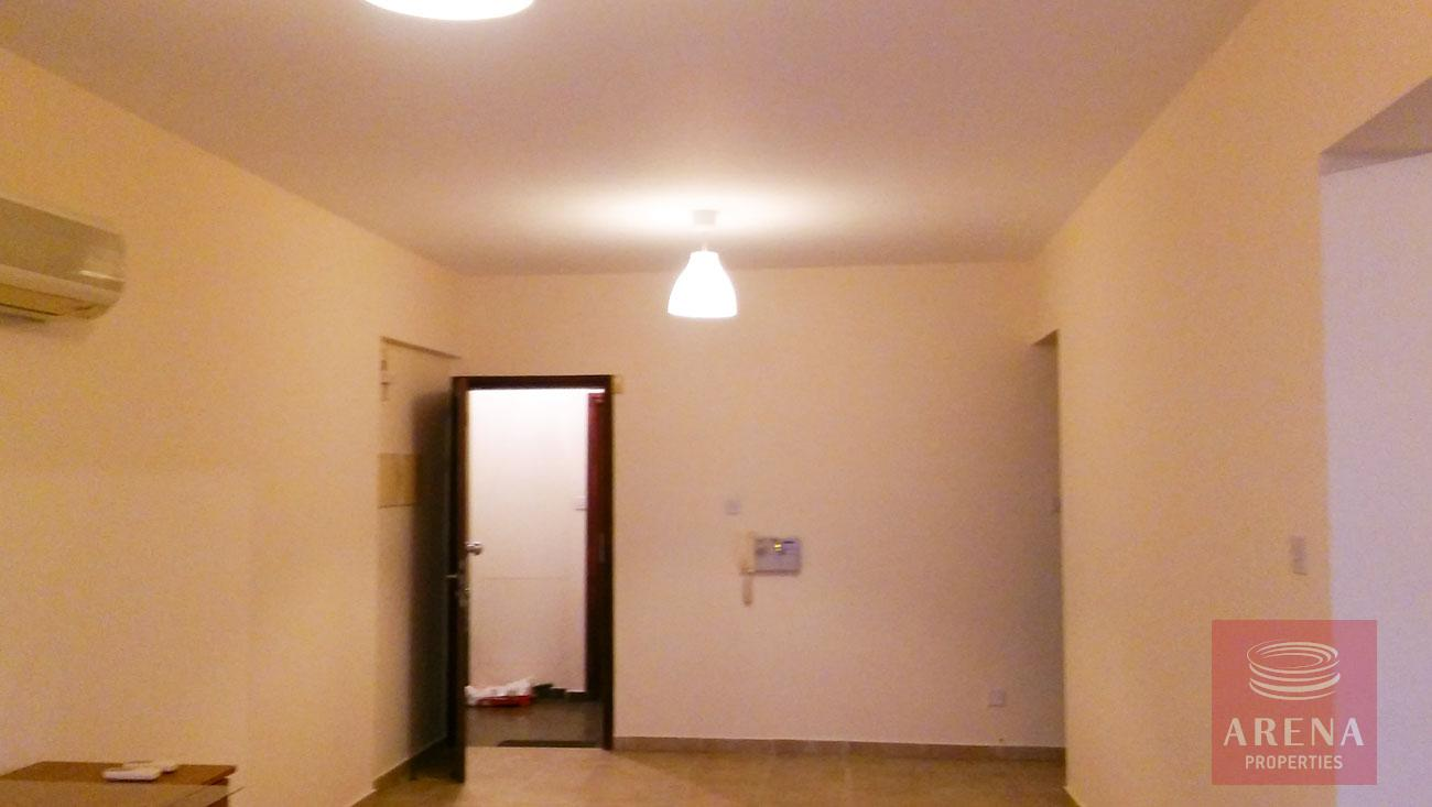 2 bed apt for rent in Larnaca - living area