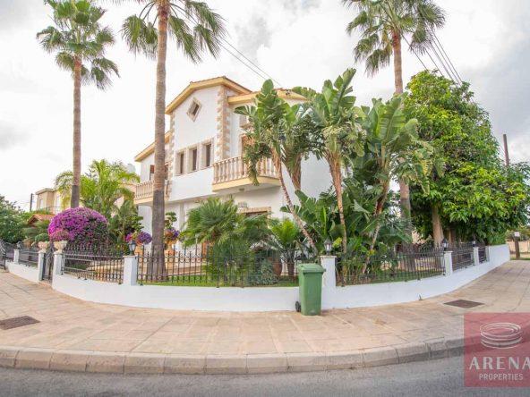 2-Villa-in-Paralimni-for-sale-5073