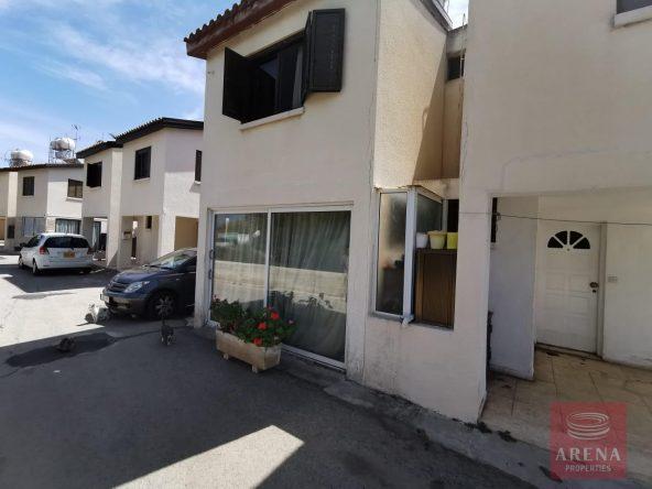 2-townhouse-in-meneou-5739