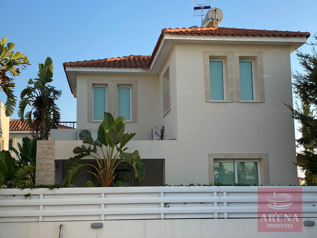 villa with deeds in Pernera for sale