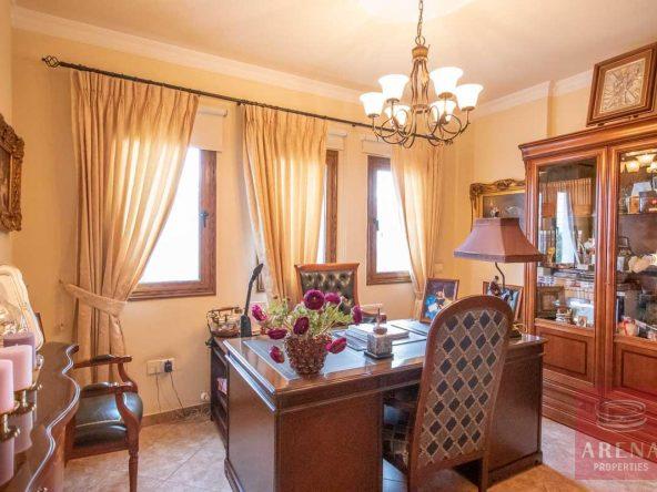 20-Villa-in-Paralimni-for-sale-5073