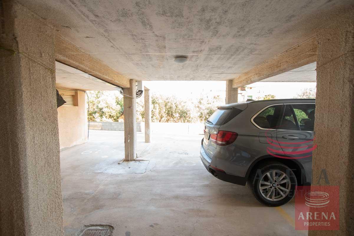 1st floor apt in Kapparis - covered parking