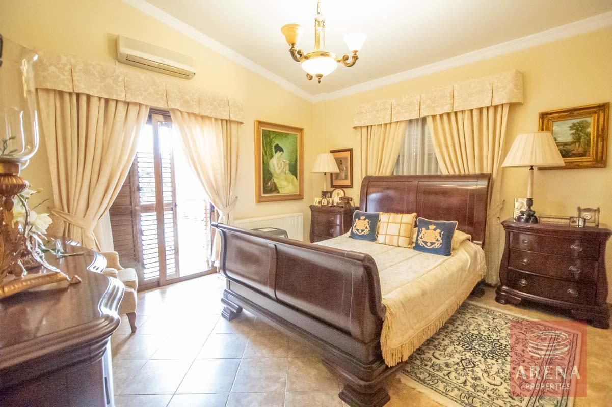 Luxury Villa in Paralimni for sa;l - bedroom