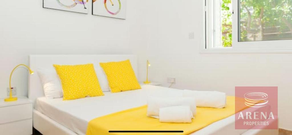 4 bed villa to buy