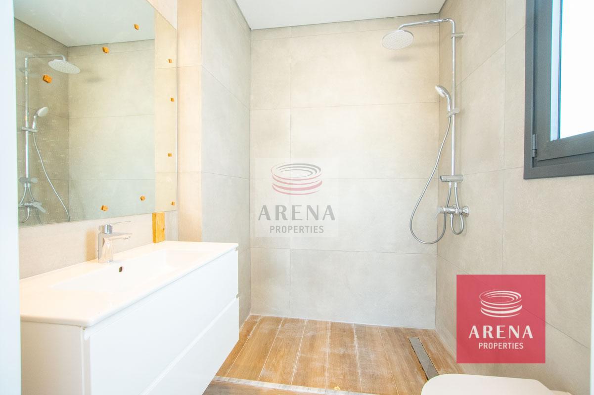 villa in Protaras - bathroom