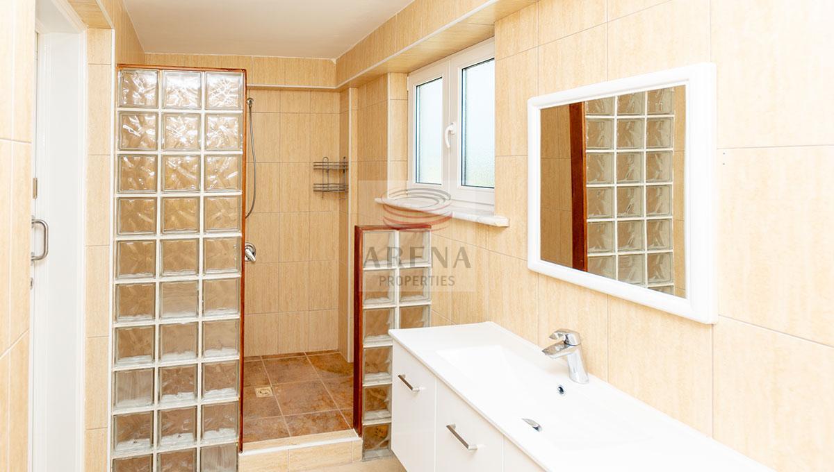 4 Bed Villa in Kokkines - bathroom