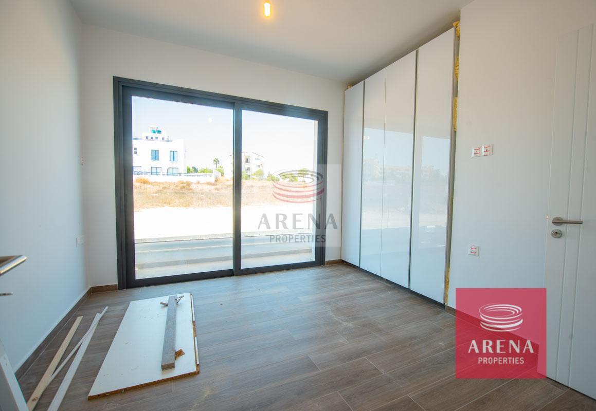 Buy villa in Protaras - bedroom