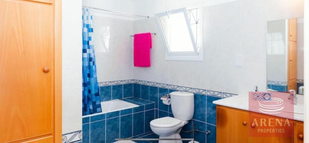 4 Bed villa in Pernera - bathroom