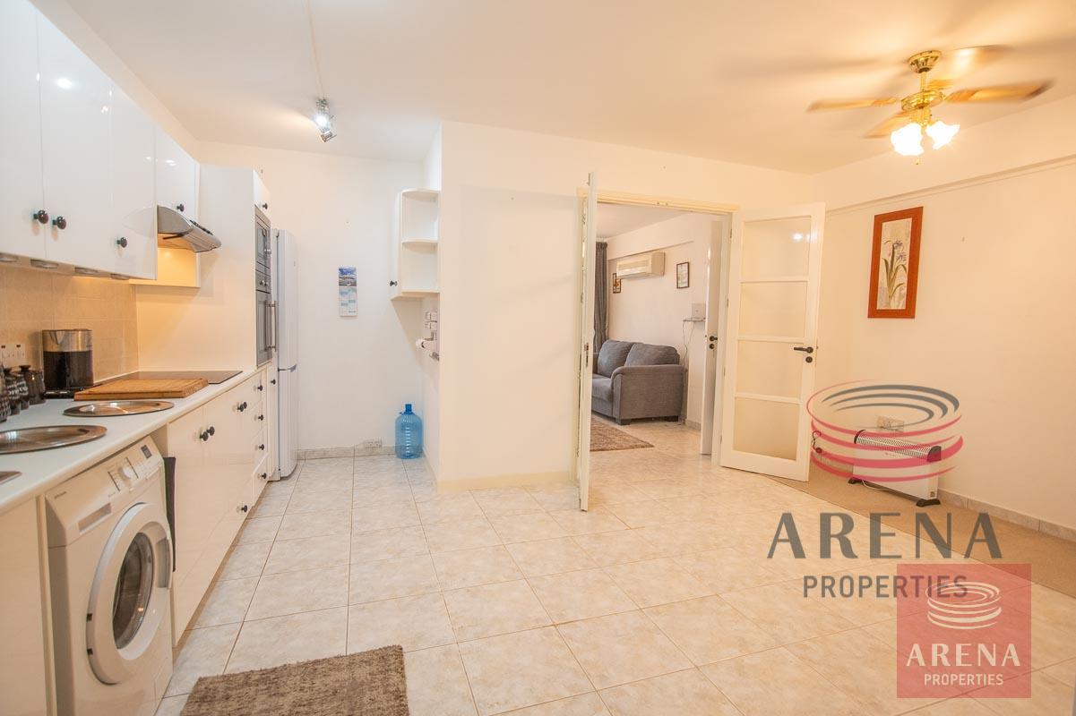2 bed apt in Derynia - kitchen