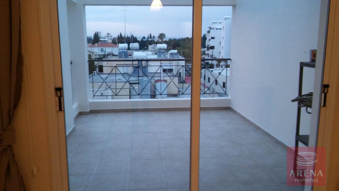 2 bed apt for rent in Larnaca - veranda