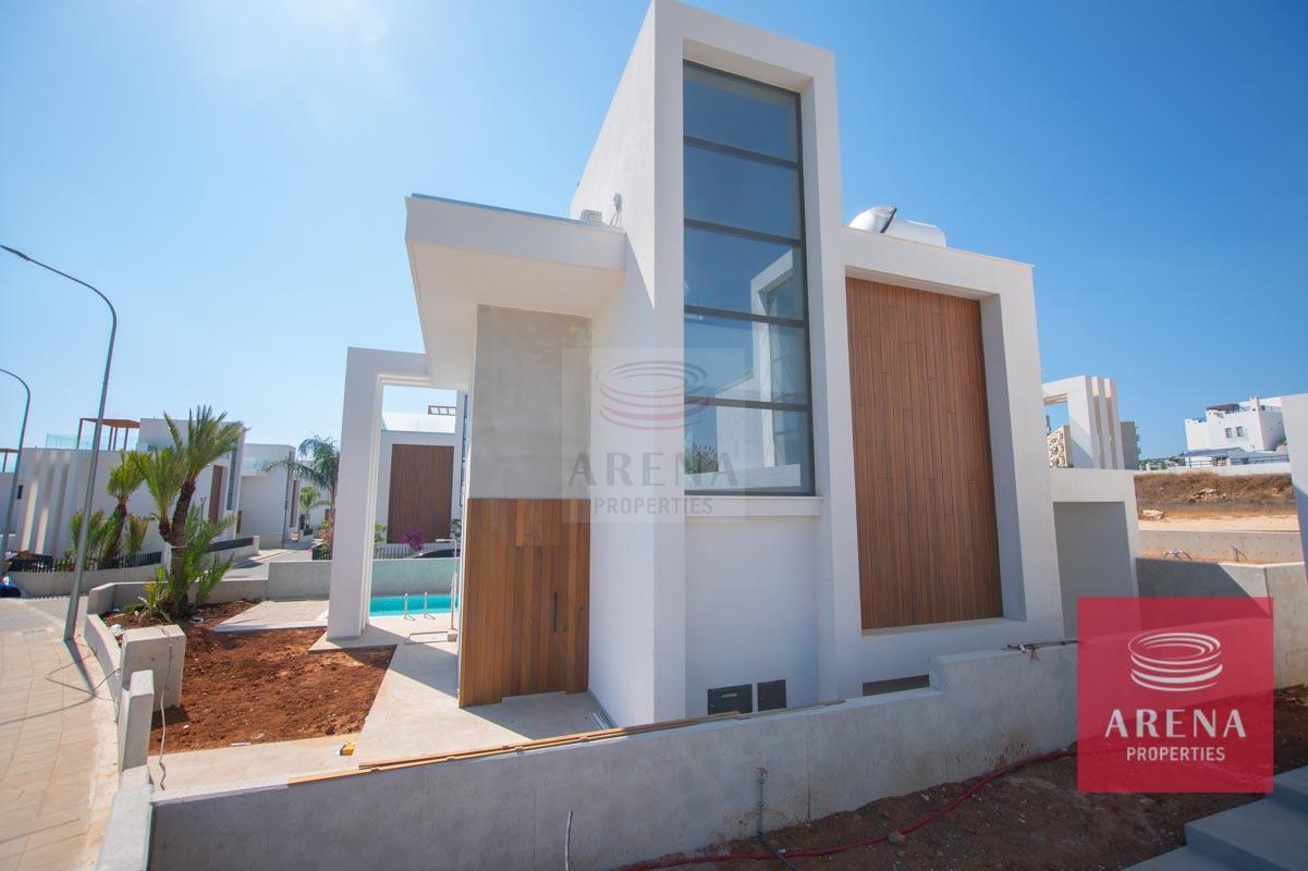 Modern Villa in Protaras to buy