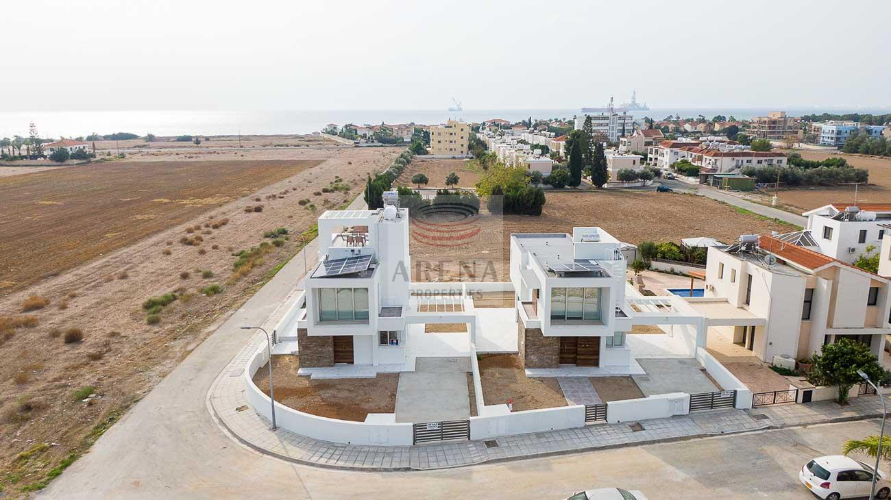 3 Bed New villa in Pyla to buy