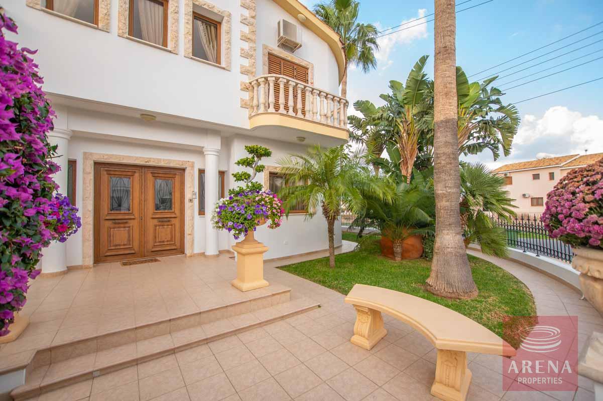 Luxury Villa in Paralimni to buy