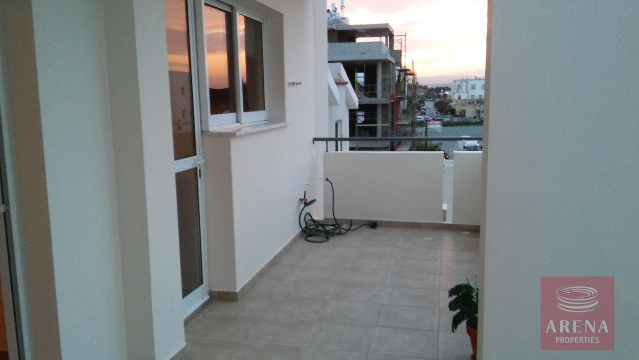 2 bed apt for rent in Larnaca - balcony