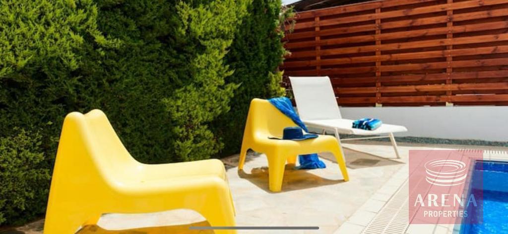 4 Bed villa in Pernera - pool area