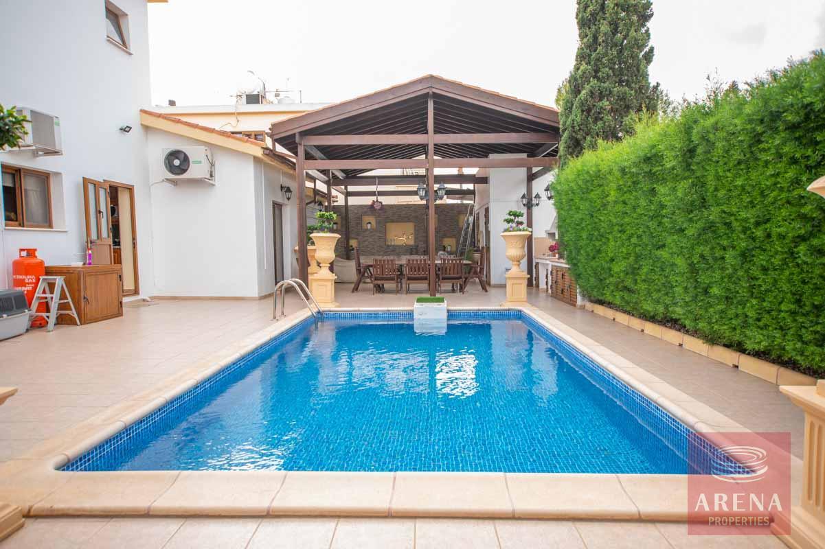 Luxury Villa in Paralimni - pool
