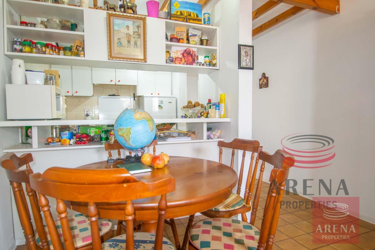 Flat in Kapparis - dining area