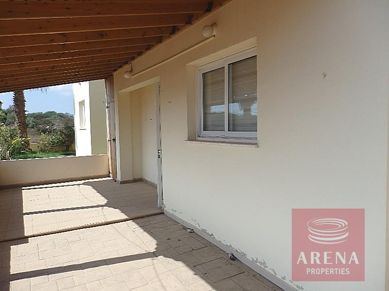 Detached house in Ayia Triada to buy - vernda