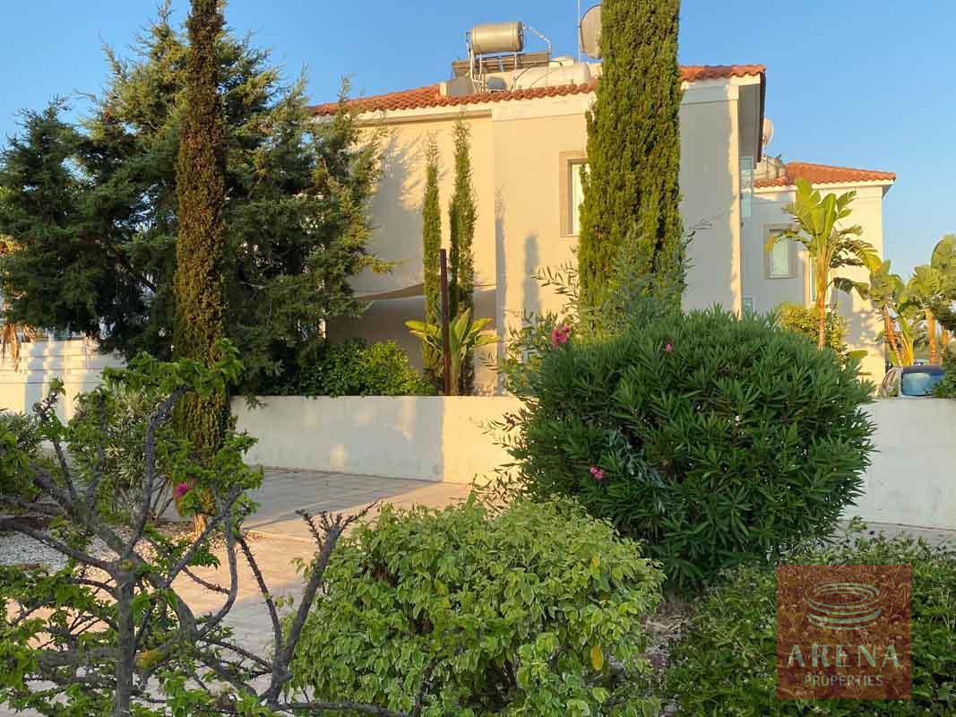 villa for sale in Pernera