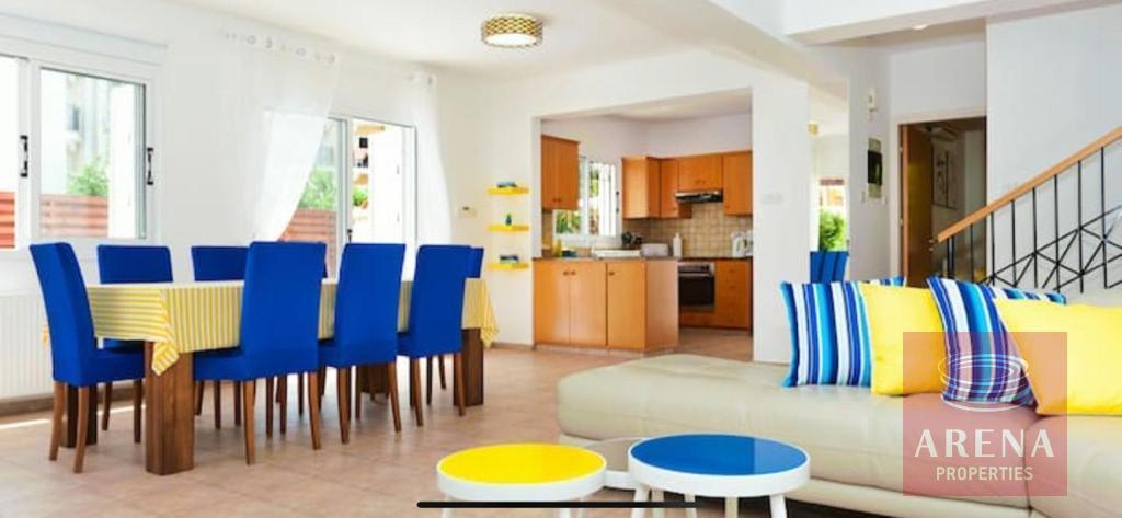 4 Bed villa in Pernera - living area