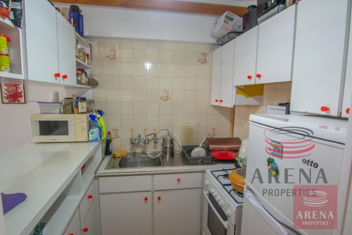 Flat in Kapparis - kitchen