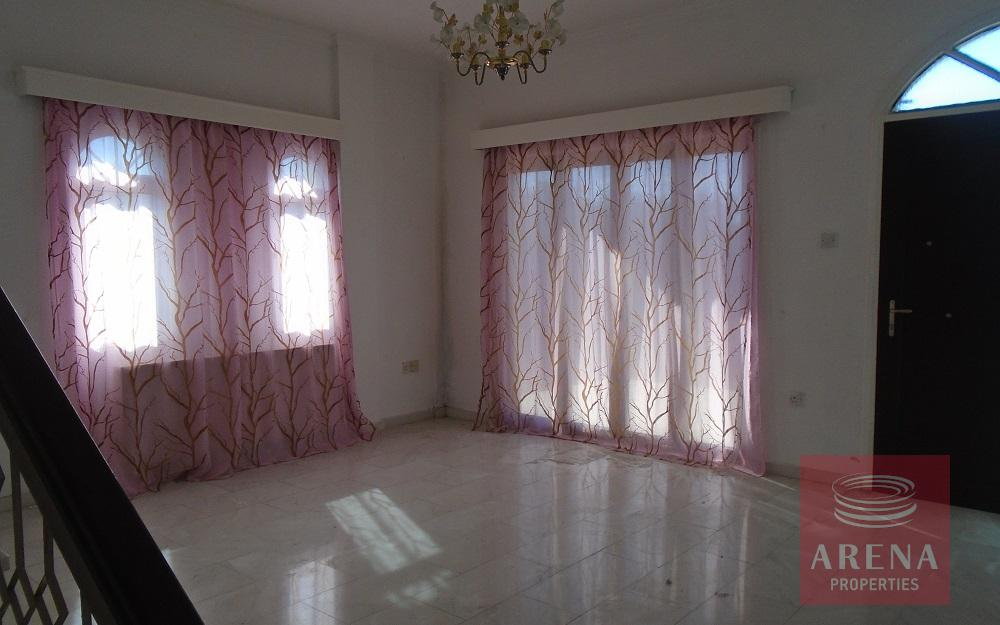 3 bed house in Pyrga - sitting area