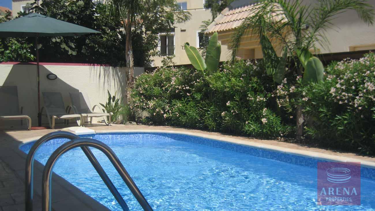 Villa in Kapparis to buy - pool