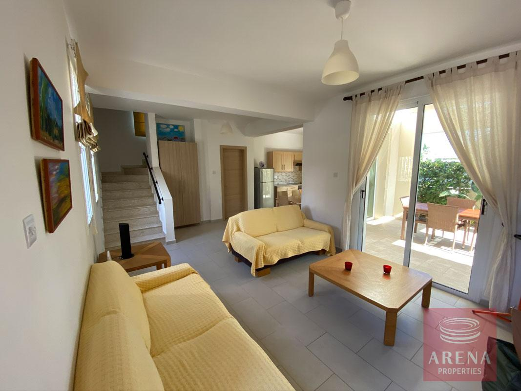 villa with deeds in Pernera - sitting area