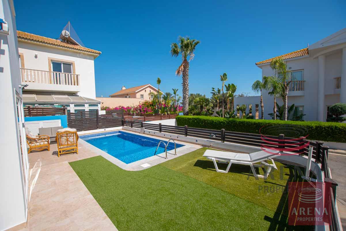 2 Bedroom Villa in Ayia Thekla - pool