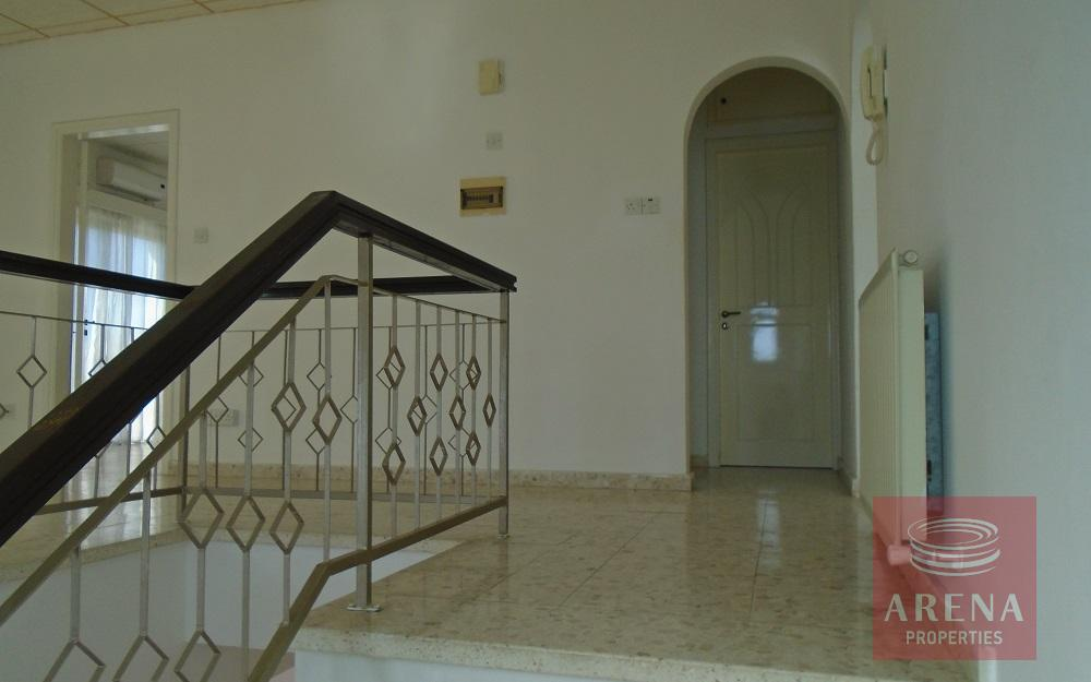 3 bed house in Pyrga 2nd floor