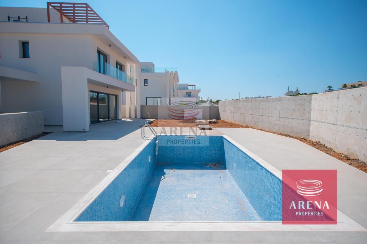 New Villa in Protaras - pool