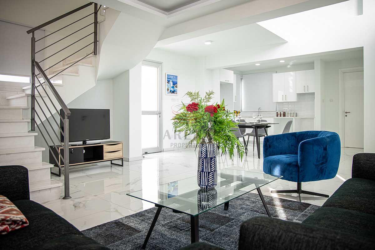 3 Bed New villa in Pyla - living area