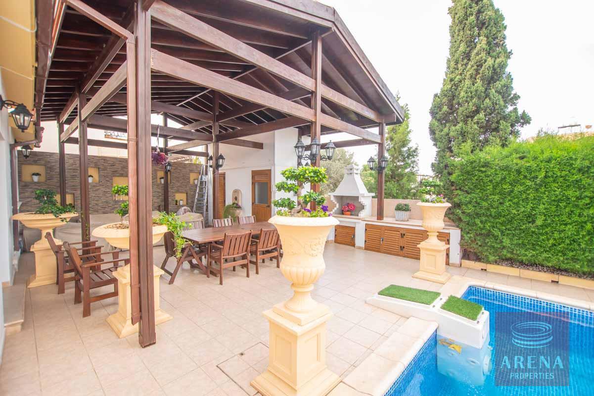 Luxury Villa in Paralimni - pergola