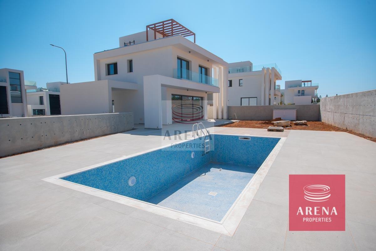 New Villa in Protaras - swimmimg pool